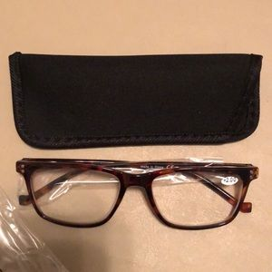 Accessories - NWT Tortoise Shell colored Reading Glasses